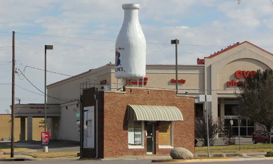 Giant milk bottle statue outside the Milk Bottle Grocery in Oklahoma City