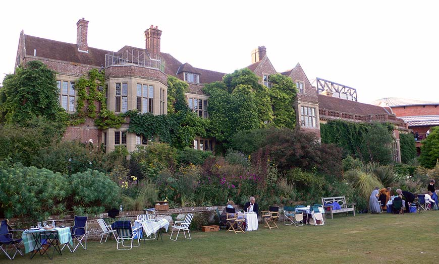 Glyndebourne opera and festival attendees