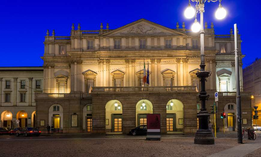 Teatro alla Scala in Milan at night