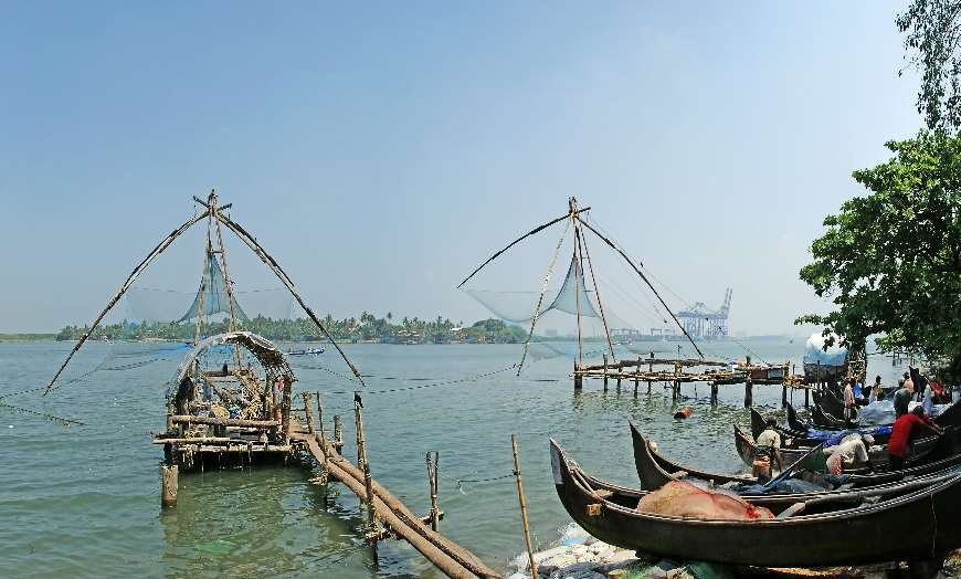 Picturesque seafront and Chinese fishing nets in Kochi
