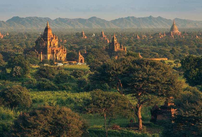 Panoramic view of the pagodas of Bagan