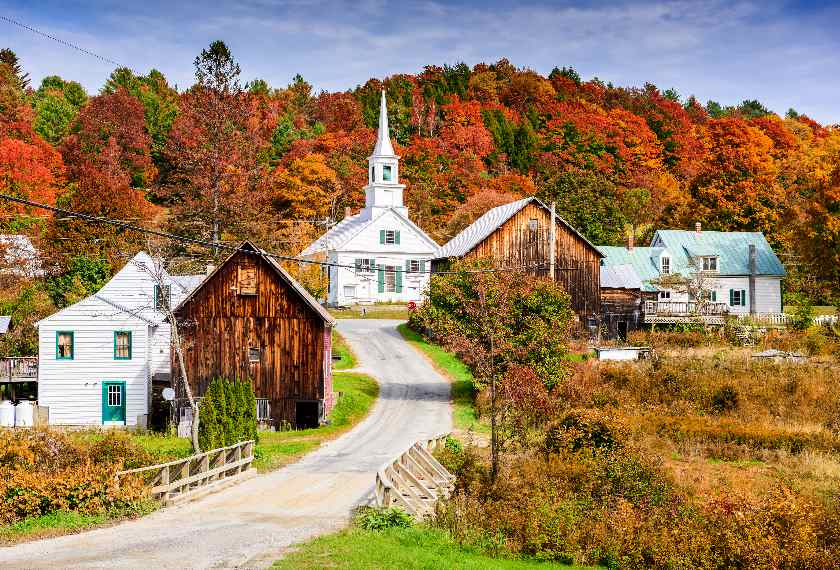 Rural Vermont town with colourful autumn foliage