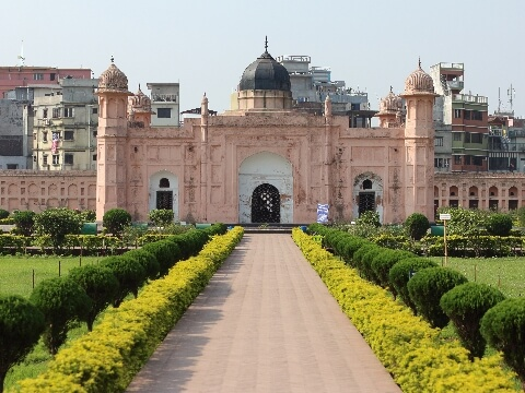 Peach coloured Mausoleum of Bibipari in Lalbagh Fort, Dhaka, Bangladesh