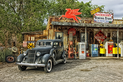 The Quirkiest Digs Along Route 66!